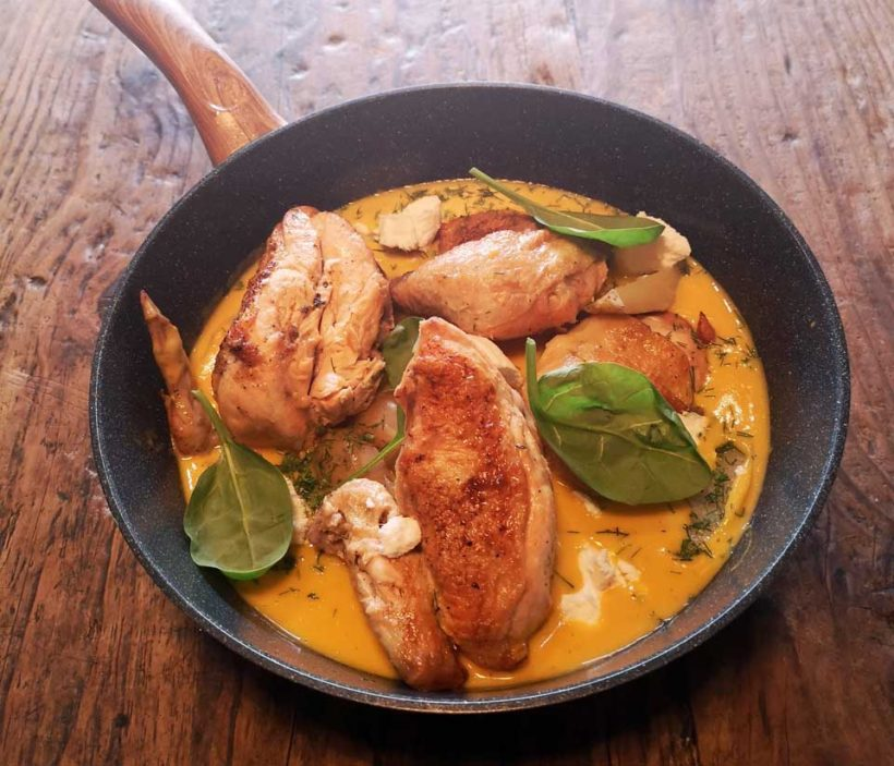 κοτόπουλο λεμονάτο με πατάτες baby και ανθότυρο