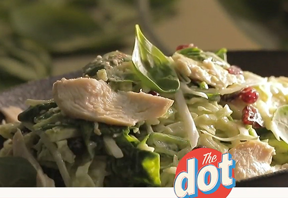 Πράσινη σαλάτα με κοτόπουλο Ελαιοπουλάκι & αβοκάντο