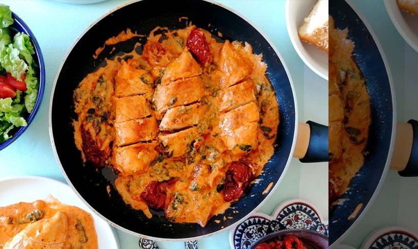 Κοτόπουλο σε κρεμώδη σάλτσα με λιαστές ντομάτες